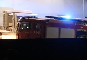 Ogień w hali produkcyjnej. Pracownicy firmy zachowali jednak zimną krew-50080