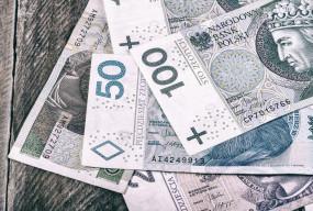 Prawie trzy miliony Polaków może liczyć na dodatkowe pieniądze! Skąd taka kasa?-50941