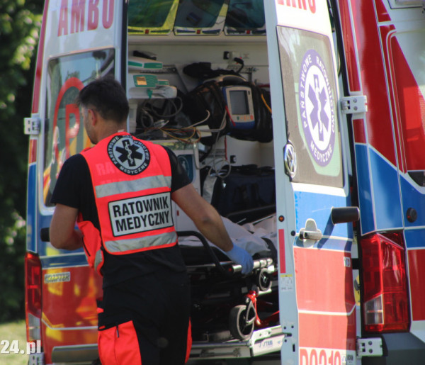 Wypadek w hali produkcyjnej!  Wyglądało paskudnie... Mężczyzna trafił do szpitala-52131