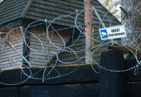 W Kunowie znaleziono zwłoki właściciela żwirowni. Prokuratura jest pewna, że...-52151