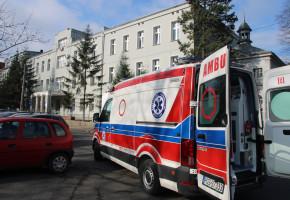Jak to się mogło stać? Mężczyzna wypadł z okna szpitala. Policja wszczęła śledztwo-52197