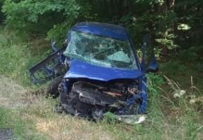 """O krok od tragedii... Auto """"skasowane"""", kierowca w szpitalu. Miał sporo szczęścia-52237"""