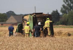 W lipcu o pożar nietrudno. Tylko wczoraj strażacy ratowali dwie maszyny rolnicze-52562