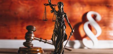 Sędziowie i prokuratorzy wzywają rząd i prezesa SN...-52645