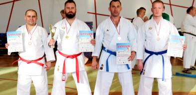 Karatecy z Gostynia wicemistrzami i mistrzami Unii! Każdy zdobył dwa medale-53608