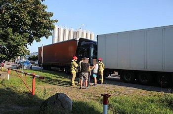 Zderzenie ciężarówek na wylocie z Piasków-8837