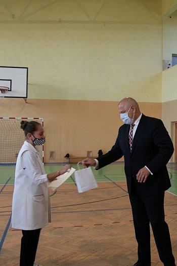 Stypendia burmistrza dla uczniów z Borku Wlkp.-8840