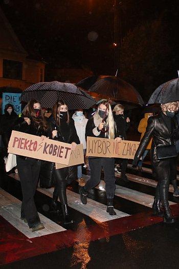 Strajk kobiet przeszedł ulicami Ponieca-8879