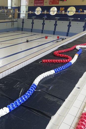 Zniknęła woda z basenowych niecek, trwa remont-8896