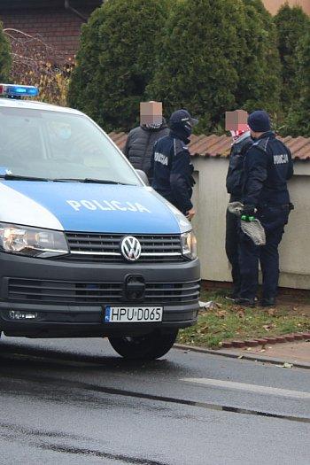 Działania ZRM i policji na ul. Wrocławskiej w Gostyniu-8900
