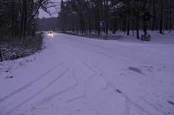 Zima znów zaskoczyła drogowców w regionie-8903