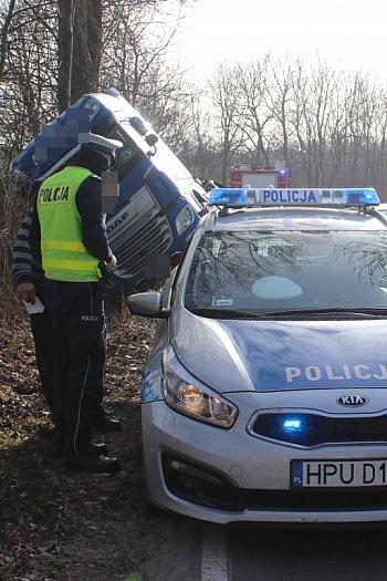 Wypadek ciężarówki na trasie Stary Gostyń - Daleszyn-8967