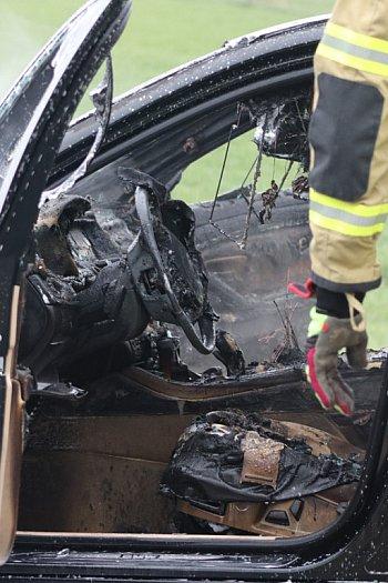 Pożar samochodu na trasie Sikorzyn-Czachorowo-8997