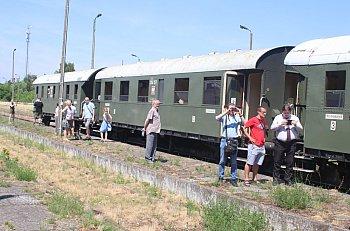 Pociąg z zabytkowymi wagonami w Gostyniu-9075