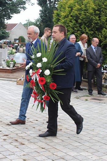 Hołd złożony czarnolegionstom na cmentarzu w Gostyniu-9080