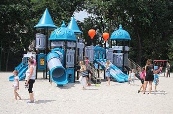 Otwarcie nowego placu zabaw w Poniecu-9121