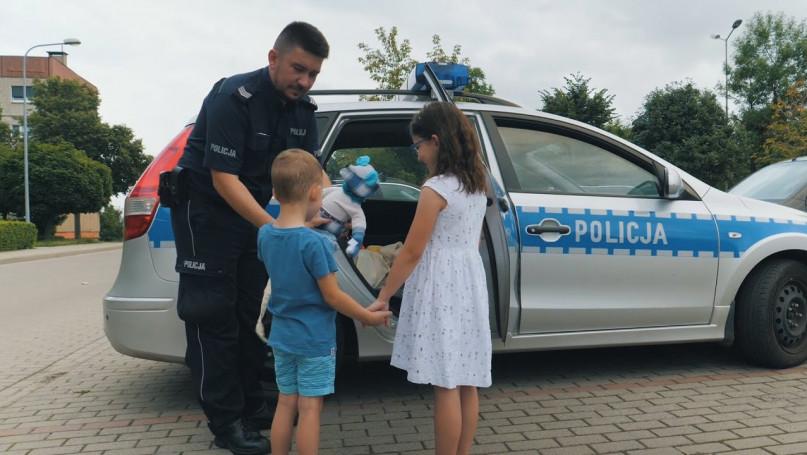 Policjanci dostali wsparcie... Będą wozić je w rad